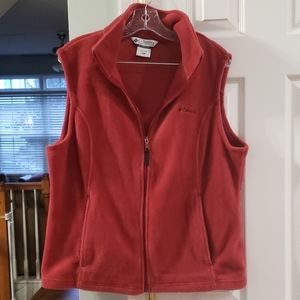 EUC Columbia fleece vest in rust